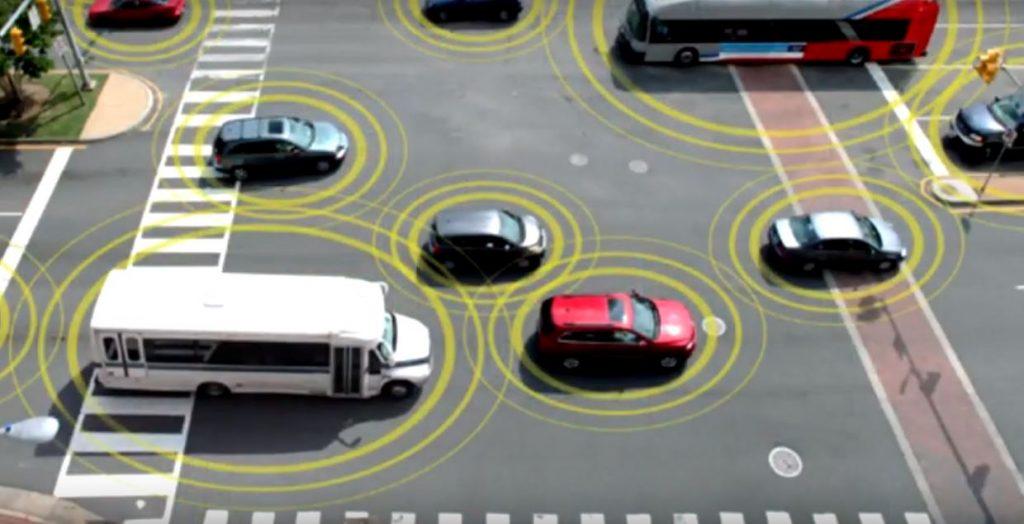 Общение между автомобилями позволит им самостоятельно маневрировать