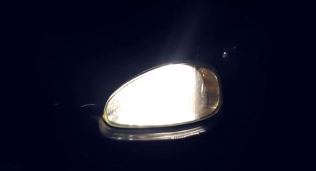 Хороший свет фар автомобиля ночью - залог безопасности движения