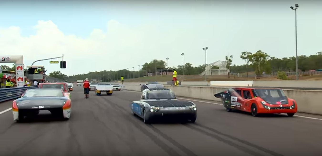 Соревнование современных электромобилей на World Solar Challenge