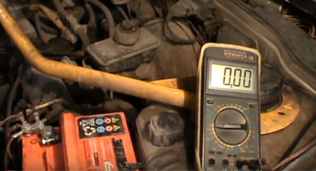 """Новый """"идеальный"""" диод способен обеспечивать заряд аккумуляторной батареи автомобиля с током в 7А"""