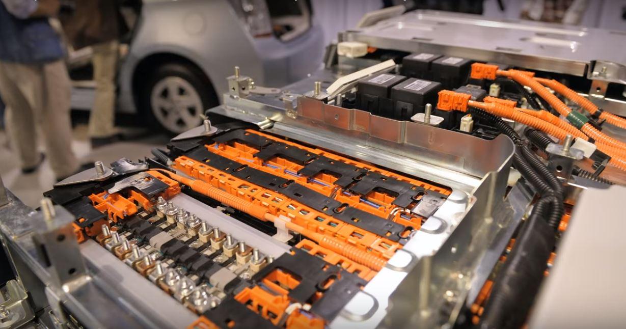 Защита аккумуляторных батарей электромобилей от теплового разгона