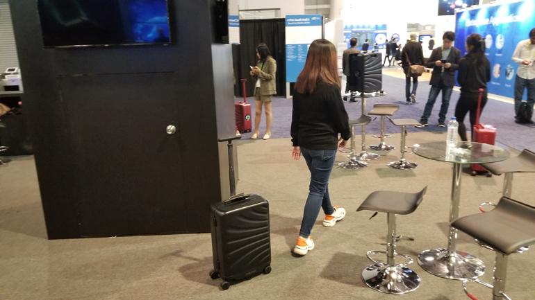 Роботизированный чемодан Rover Speed на Kickstarter будет сопровождать вас во время поездки