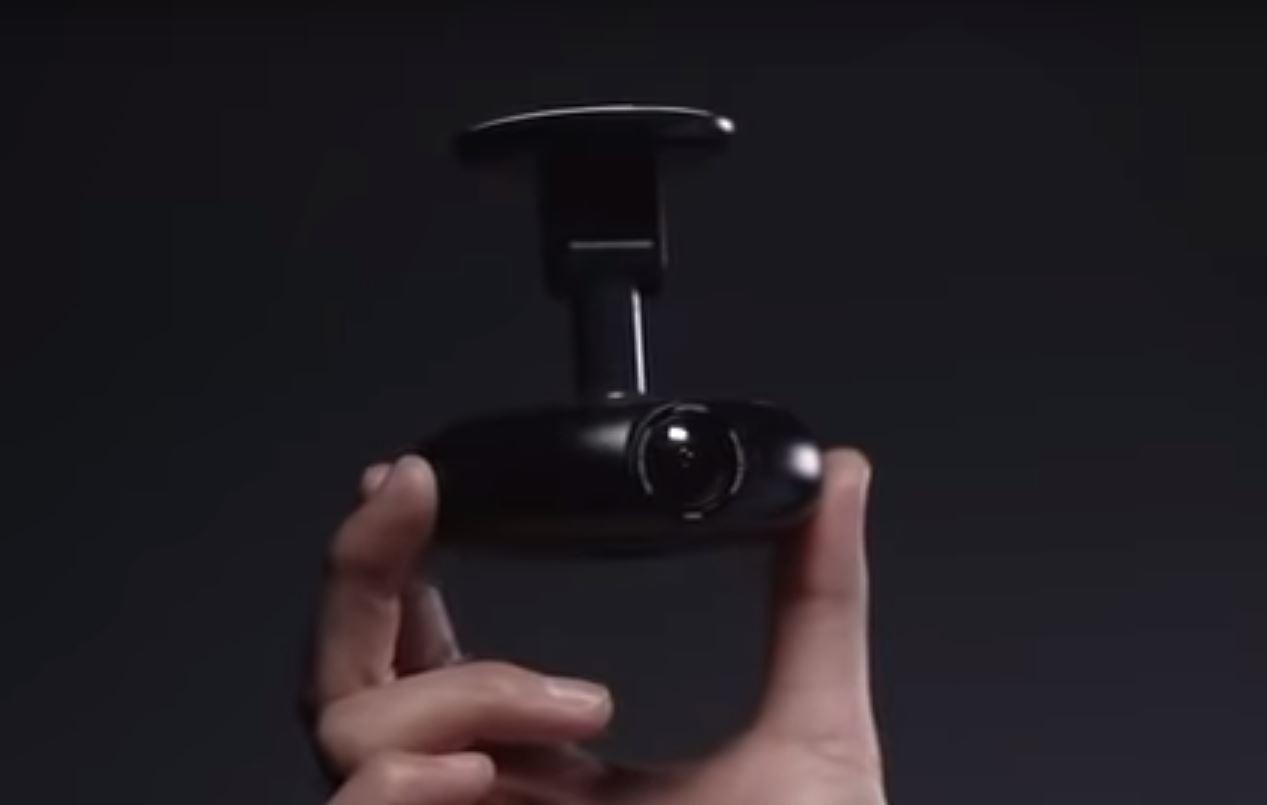 Vezo 360 использует пару камер 4K для питания процессора, на котором работают модели машинного обучения, для отслеживания таких вещей, как внимательность водителя