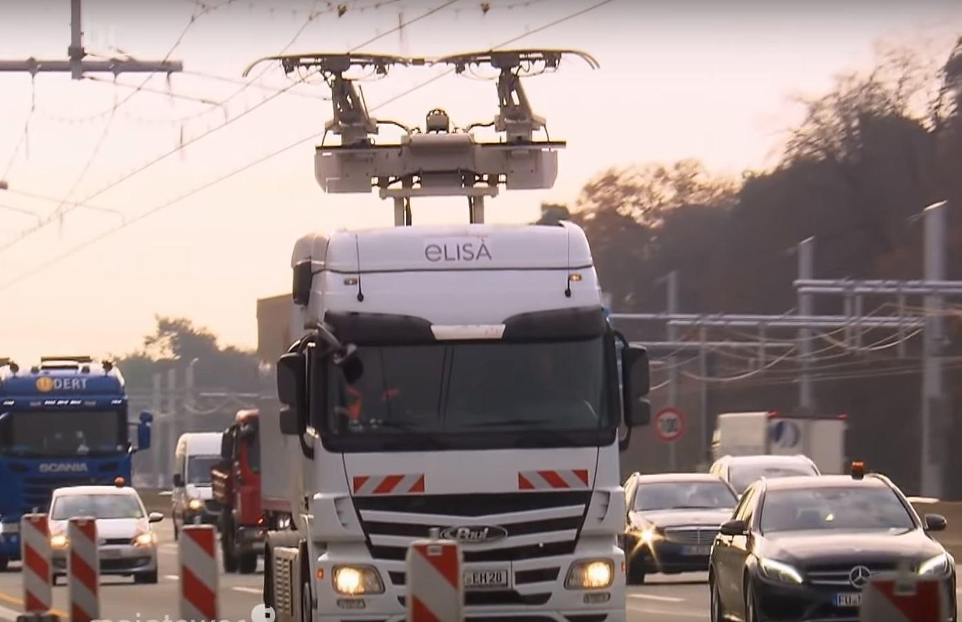 В Германии началось тестирование грузовых автомобилей питающихся от контактной сети на дороге