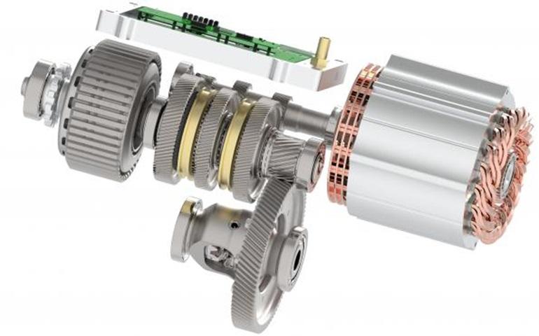 Инжиниринговая компания Ricardo представила систему электропривода для электромобилей, который во многом противоречит современным принципам проектирования. Таким образом, приводной блок должен масштабироваться лучше и быть более компактным и легким, чем современные конструкции