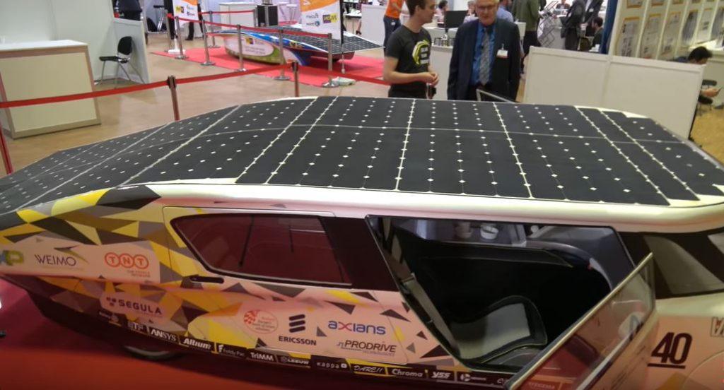 Автомобиль Squad Mobility Squad City Solar для передвижения по городу со скоростью 45 км в час