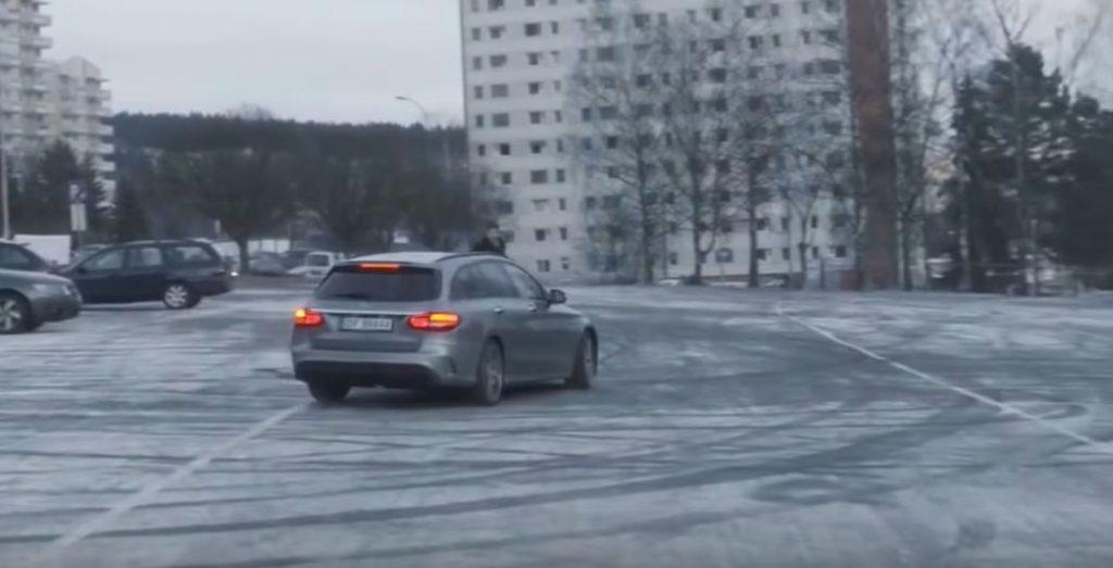 Автономное вождение может помочь водить пожилым людям у которых реакция становится медленнее