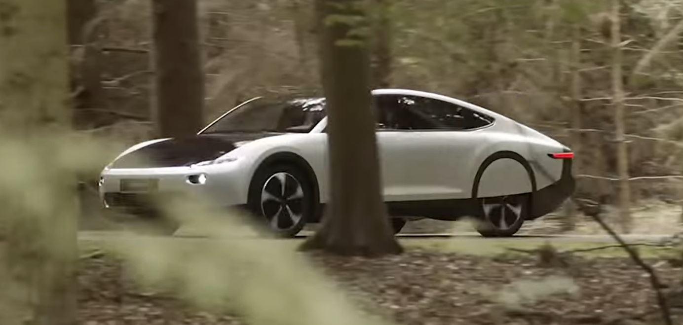 Новые электромобили с полностью солнечным кузовом смогут двигаться без подзарядки что существенно увеличит запас хода электрокара
