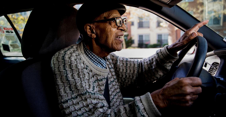 Пожилые водители могут создавать аварийные ситуации на дорогах из-за ухудшения рефлексов