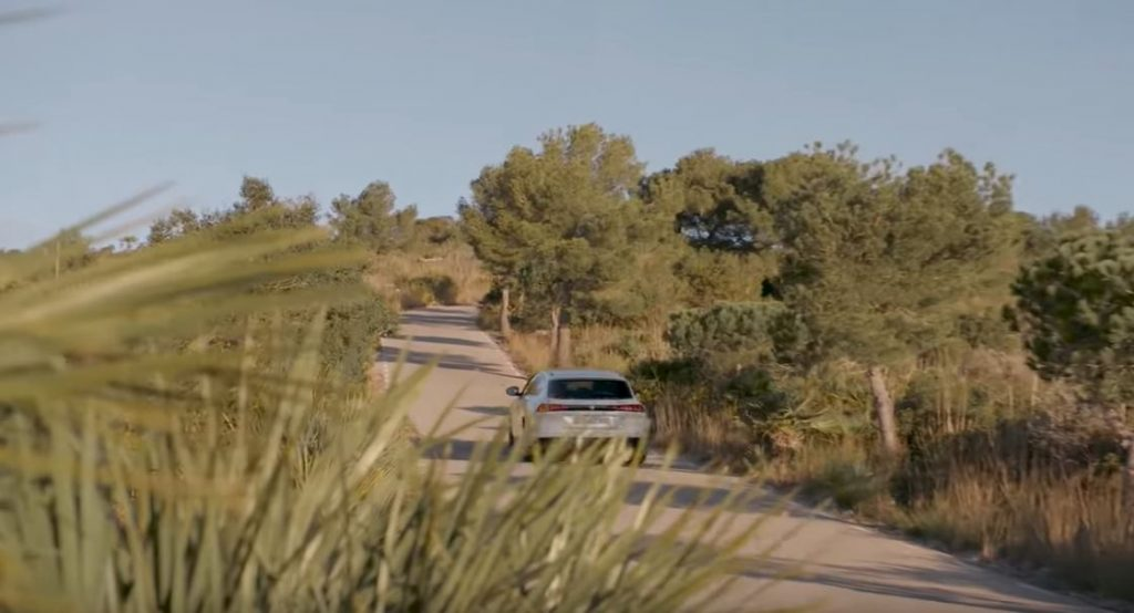 Гибрид Peugeot 508 225 GT способен сделать прорыв в линейке гибридных авто