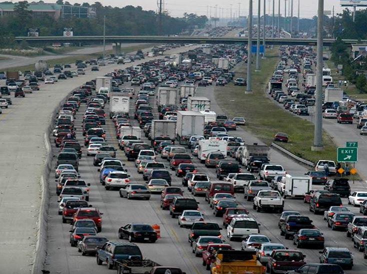 Пробки на дорогах одно из самых распротраненных и раздражающих явлений. Сможет ли искусственный интеллект побороть их