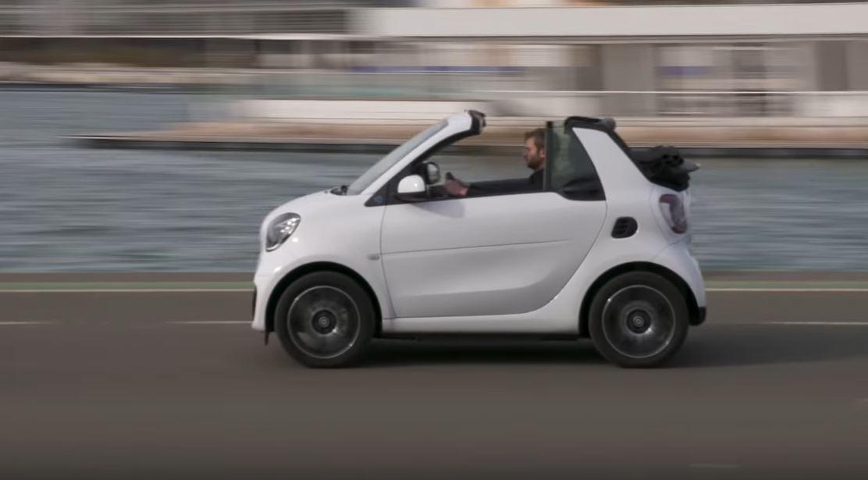 Smart EQ Fortwo 2020 неплохой электромобиль для перемещений по городу