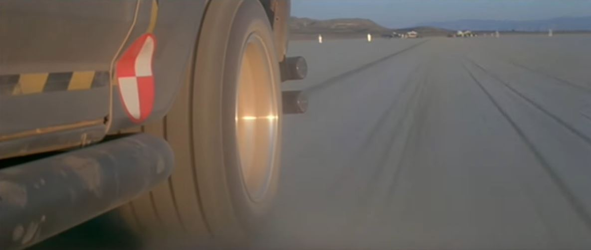 Новый прототип Cybertruck имеет дизельный двигатель, а не электрический. Правда ли это?