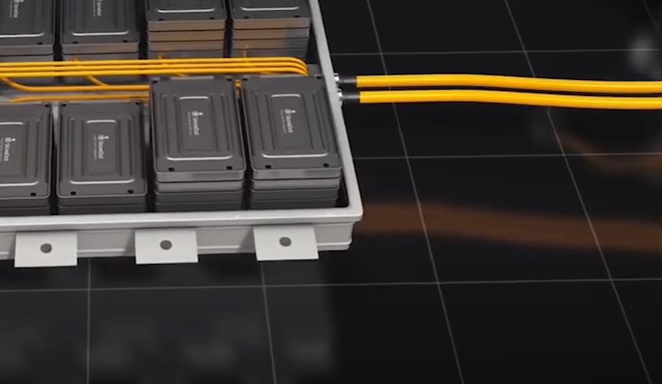 Создание высокоемкостного аккумулятора для электромобиля позволит не только повысить запас хода но и питать бытовые приборы в случае необходимости