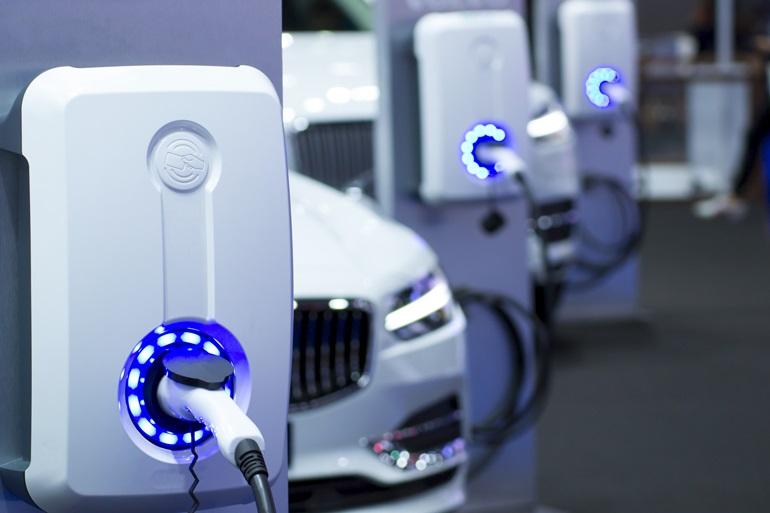 Быстрая зарядка автомобилей должна работать безопасно, надежно и экономично