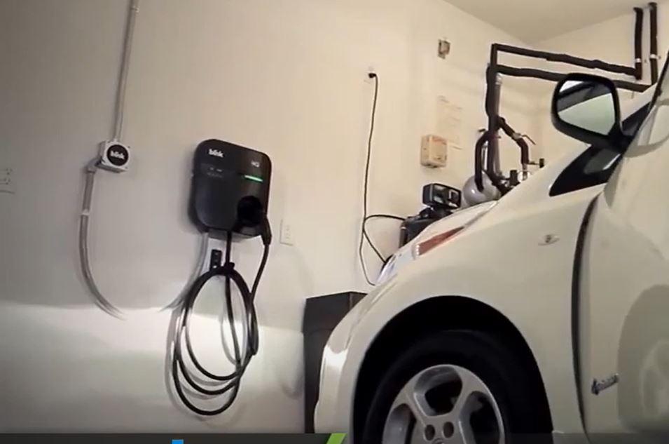 Инфраструктура зарядных станций для электромобилей постепенно развивается как ранее АЗС для бензиновых авто