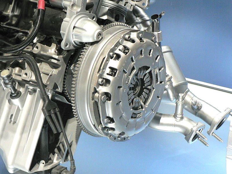 Расположение сцепления на двигателе