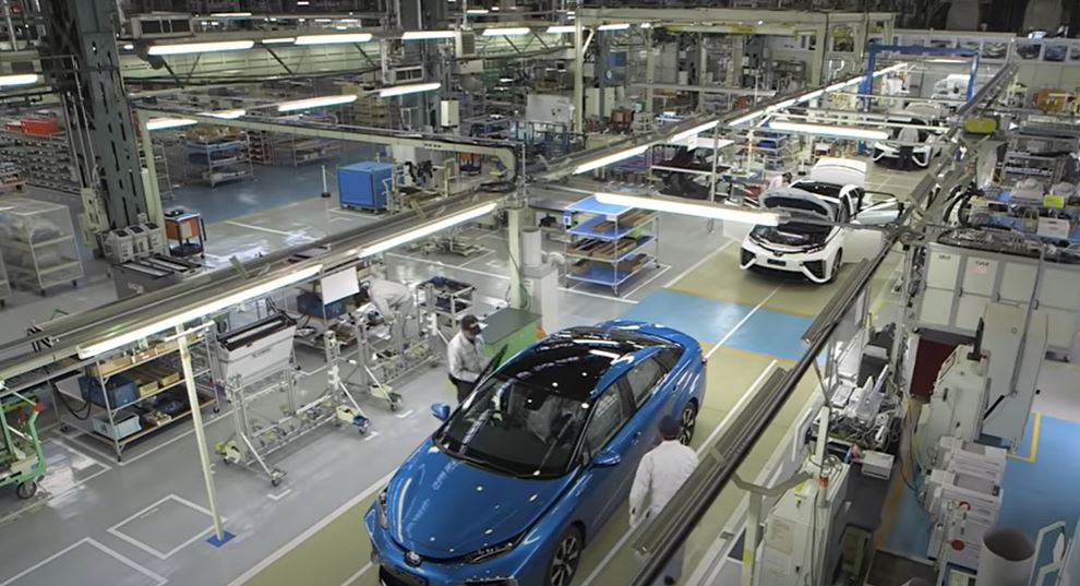 Современные промышленные интернет вещей IIoT могут значительно улучшить автомобильную промышленность