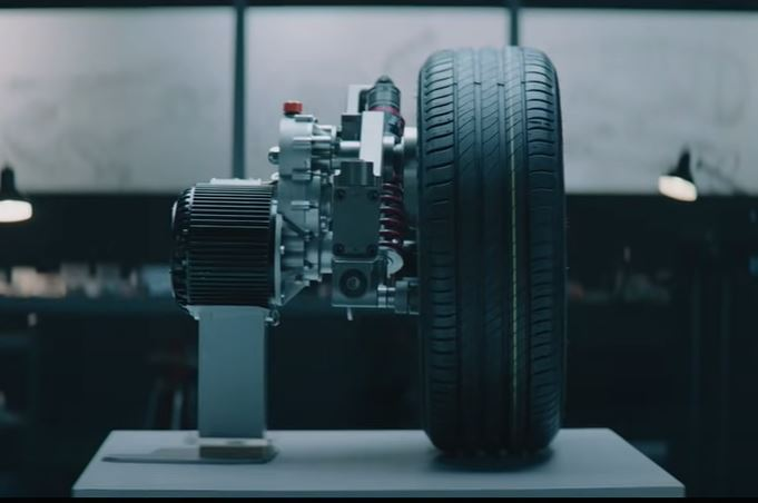 Технология REEcorner объединяет важные компоненты автомобиля в единый компактный модуль, расположенный между шасси и колесом, включая рулевое управление, торможение, подвеску, трансмиссию и управление.